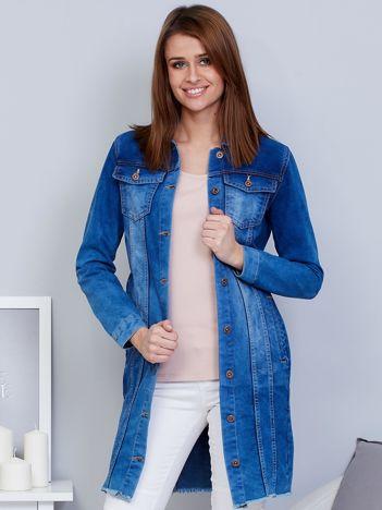 Niebieska dłuższa kurtka damska z wystrzępionym dołem