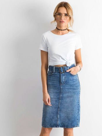 Niebieska jeansowa spódnica midi z paskiem
