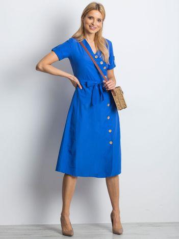 Niebieska sukienka Intendend