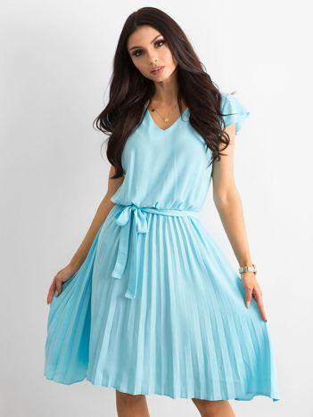 Niebieska sukienka damska z wiązaniem