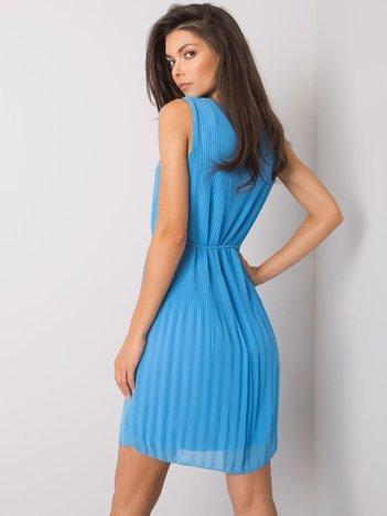Niebieska sukienka plisowana Rayna