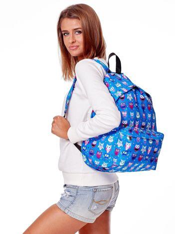 Niebieski plecak w kolorowe sowy
