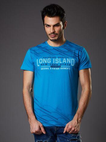 Niebieski t-shirt męski z graficznym nadrukiem