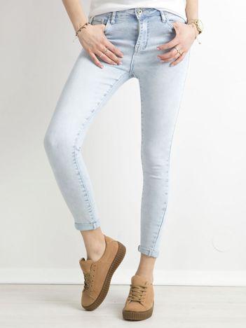 Niebieskie damskie jeansy skinny
