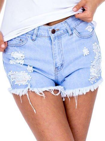Niebieskie jeansowe szorty z perełkami