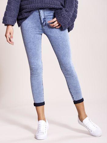 Niebieskie spodnie jeansowe z wysokim stanem