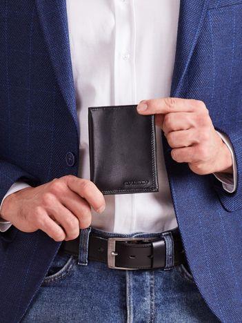 Pionowy czarny męski portfel