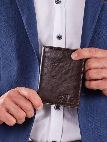Pionowy portfel bez zapięcia brązowy