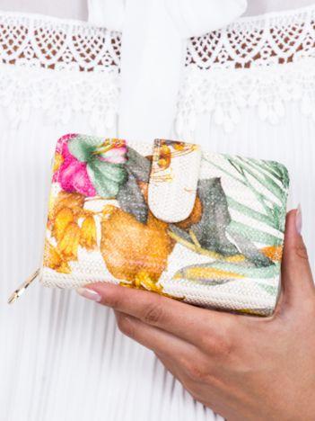 Pomarańczowy portfel z kwiatowym nadrukiem