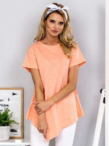 Pomarańczowy t-shirt z asymetrycznym przodem
