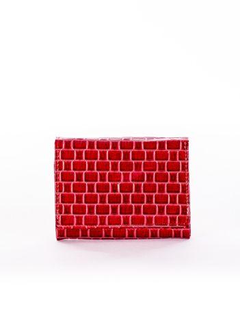 Portfel damski czerwony w geometryczne wzory