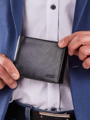 Poziomy czarny męski portfel