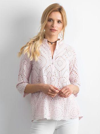 Pudroworóżowa bluzka z ażurowaniem z przodu
