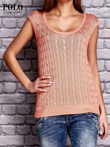 RALPH LAUREN Koralowy sweter z warkoczowym splotem