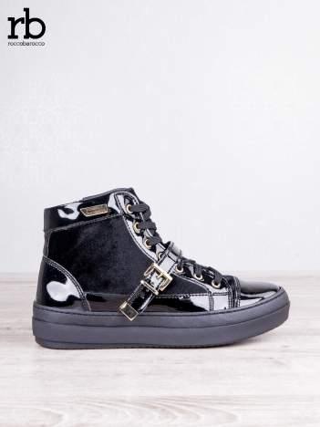 ROCCOBAROCCO czarne welurowe sneakersy na pasek ze złotymi sprzączkami i lakierowanymi wstawkami