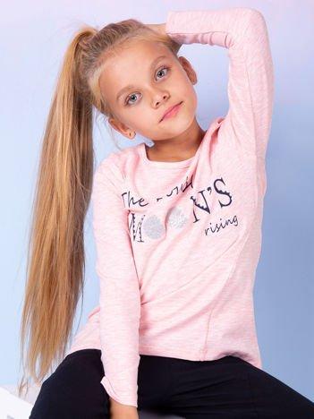 Różowa bluzka dla dziewczynki z tekstowym nadrukiem
