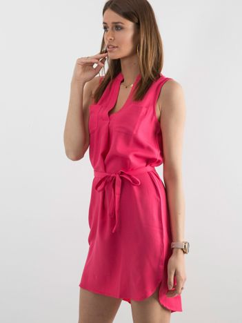 Różowa damska sukienka z paskiem