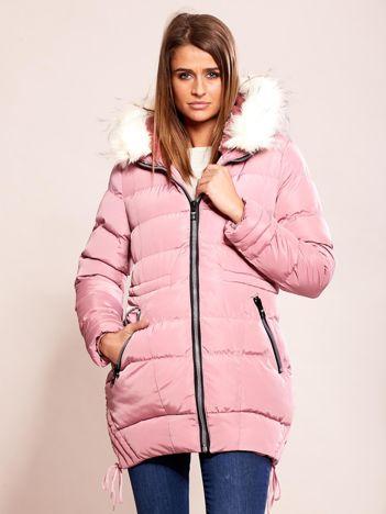 Różowa kurtka z futerkiem