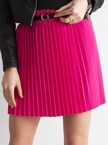 Różowa plisowana spódnica z paskiem