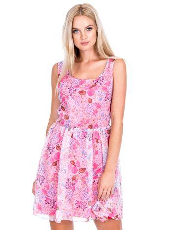 Różowa rozkloszowana sukienka w kwiaty