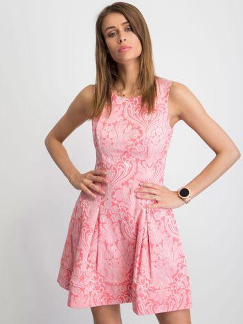Różowa sukienka Babydoll
