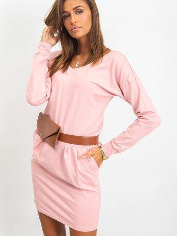 Różowa sukienka Simple