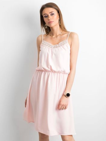 Różowa sukienka damska na ramiączkach