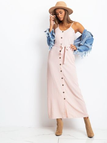 Różowa sukienka w kratę