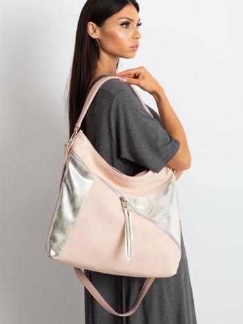 Różowa torba ze srebrnymi wstawkami