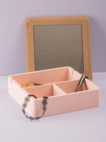 Różowe pudełko z lusterkiem
