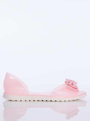 Różowe sandały Melisy z materiałową kokardką z przodu buta bez palców