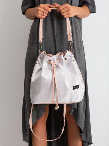 Różowo-srebrna torebka ze ściągaczem