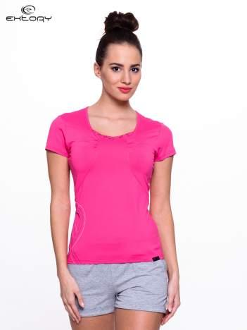 Różowy t-shirt sportowy z marszczeniem przy biuście