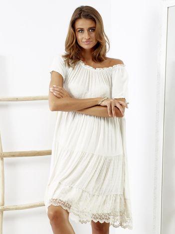 482e741076 SCANDEZZA Beżowa sukienka boho z ozdobnym wykończeniem