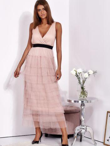SCANDEZZA Biało-różowa sukienka maxi z plisowanymi falbanami