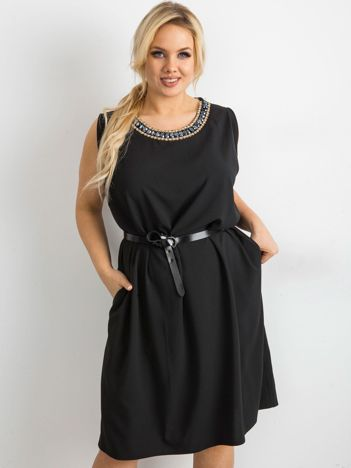SCANDEZZA Czarna sukienka oversize z aplikacją