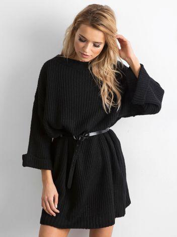 SCANDEZZA Czarny długi sweter z dzianiny