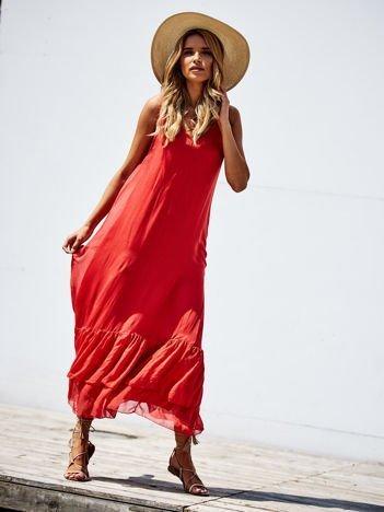 SCANDEZZA Czerwona długa sukienka z falbaną