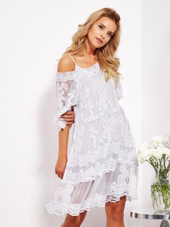 SCANDEZZA Jasnoszara luźna sukienka z oddzielną halką