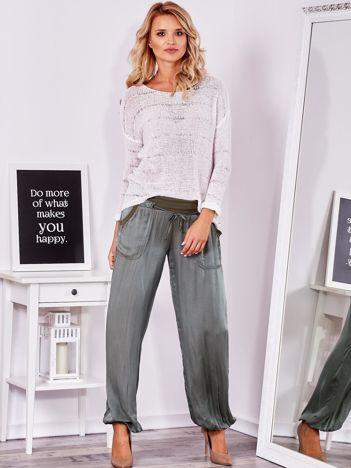 SCANDEZZA Khaki satynowe spodnie