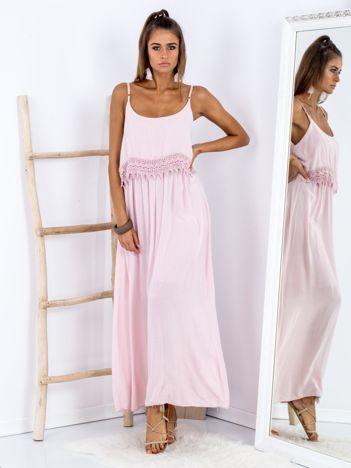 SCANDEZZA Różowa długa sukienka z szeroką falbaną