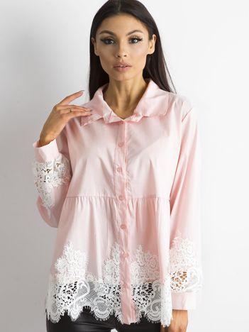 SCANDEZZA Różowa koszula z koronką