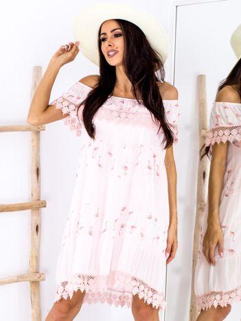 SCANDEZZA Różowa sukienka w flamingi