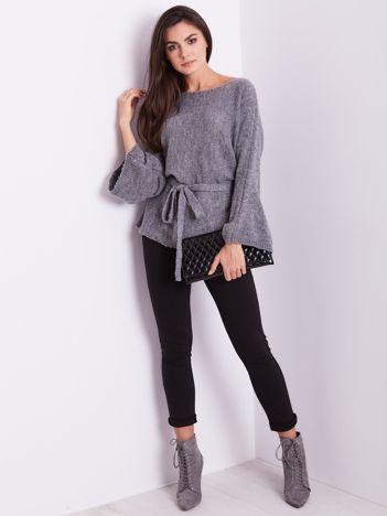 SCANDEZZA Szary sweter z szerokimi rękawami