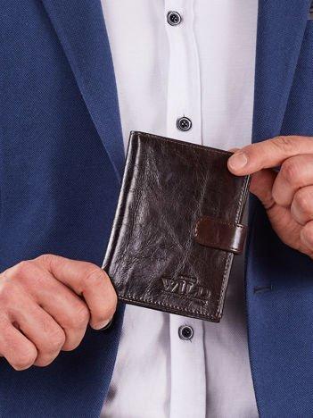 Skórzany brązowy męski portfel z zapięciem