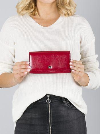 Skórzany gładki damski portfel czerwony