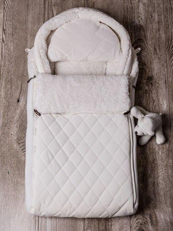 Śpiworek niemowlęcy pikowany do wózka lub łóżeczka z poduszeczką ocieplany na futerku ecru