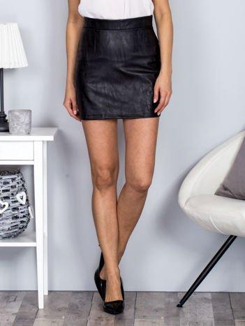 Spódnica czarna ze skóry ekologicznej z suwakiem