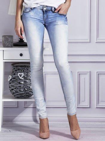 Spodnie jeansowe rurki z dekatyzacją jasnoniebieskie
