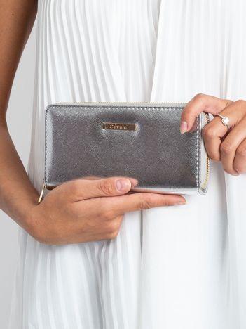 Srebrny metaliczny portfel